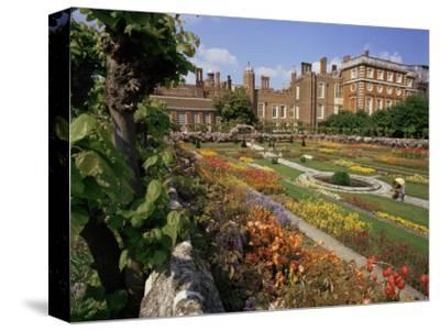 Sunken Gardens, Hampton Court Palace, Greater London, England, United Kingdom
