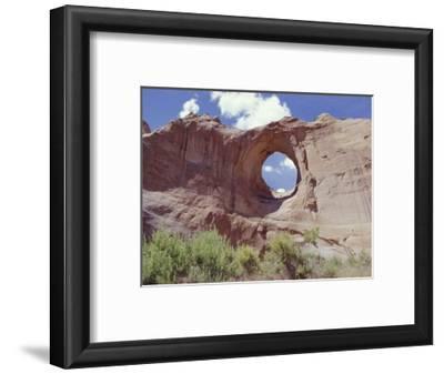 Window Rock, Eroded Forms Near Navaho (Navajo) Tribal Centre, Arizona, USA