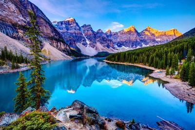 Sunrise at Moraine Lake by Wan Ru Chen