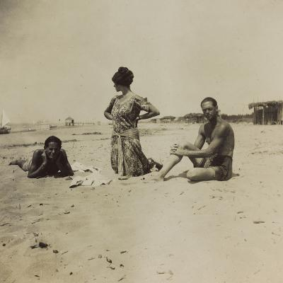 War Campaign 1917-1920: Group Photo on the Beach--Photographic Print