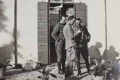 https://imgc.artprintimages.com/img/print/war-campaign-1917-1920-officers-magnoni-ranucci-and-brusati-with-a-telescope_u-l-q10tnsd0.jpg?p=0