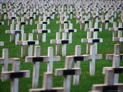 https://imgc.artprintimages.com/img/print/war-cemetery-verdun-france_u-l-pxtirm0.jpg?p=0