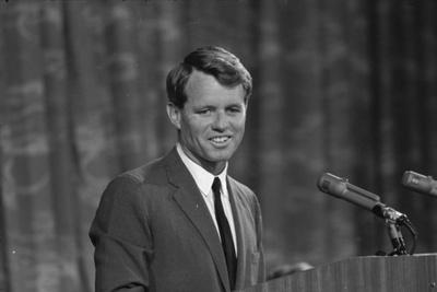 Robert Kennedy appearing before Platform Committee, 1964