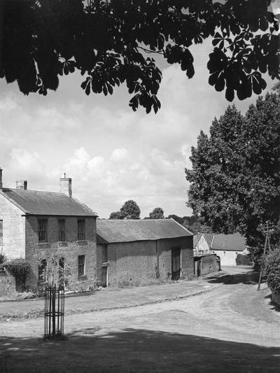 Warwickshire Farm--Photographic Print