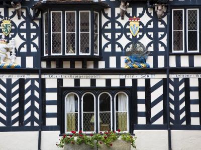 Warwickshire, Warwick, Lord Leycester Hospital, Courtyard, Timber Framed Building, England-Jane Sweeney-Photographic Print