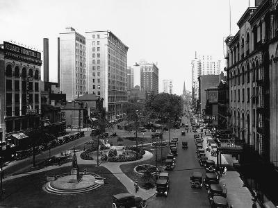 Washington Boulevard, Detroit, 1920--Photographic Print