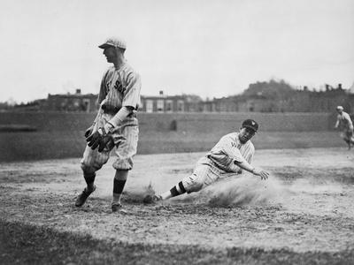 https://imgc.artprintimages.com/img/print/washington-player-boston-red-sox-baseball-photograph-washington-dc_u-l-q1go4a90.jpg?p=0