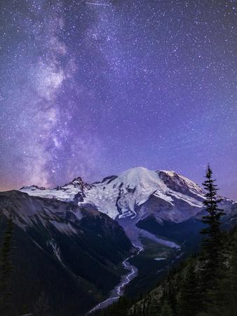 https://imgc.artprintimages.com/img/print/washington-white-river-valley-looking-toward-mt-rainier-on-a-starlit-night-with-the-milky-way_u-l-q12t8xj0.jpg?p=0