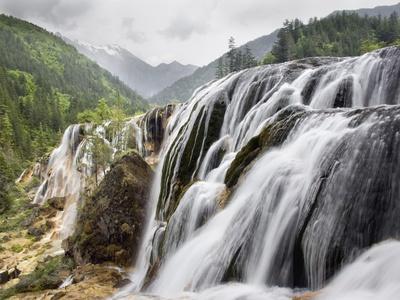 https://imgc.artprintimages.com/img/print/waterfalls_u-l-pzktyy0.jpg?p=0
