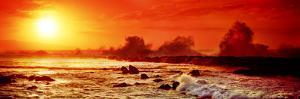 Waves Breaking on Rocks in the Ocean, Three Tables, North Shore, Oahu, Hawaii, USA