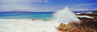 Waves Breaking on the Coast, Maui, Hawaii, USA--Photographic Print
