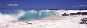 Waves Breaking on the Rocks, Big Beach, Makena, Maui, Hawaii, USA