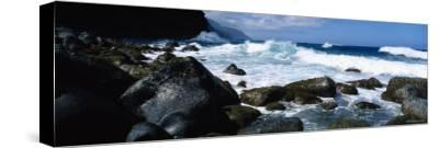Waves Breaking Rocks at the Coast, Na Pali Coast, Kauai, Hawaii, USA