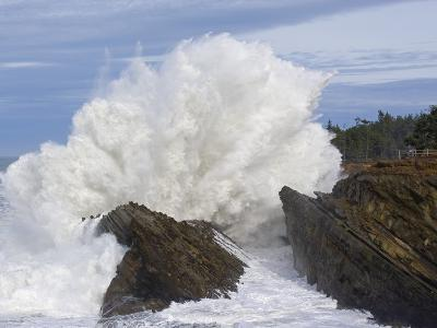 Waves Crashing on Rocks-Craig Tuttle-Photographic Print