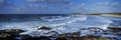 Waves in the Ocean, Fistral Beach, Cornwall, England--Photographic Print