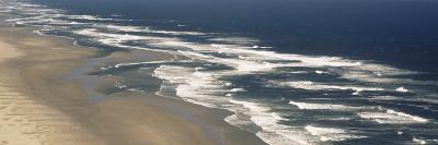 Waves on the Beach, Florence, Lane County, Oregon, USA--Photographic Print