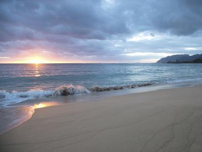 https://imgc.artprintimages.com/img/print/waves-roll-on-beach-during-sunrise_u-l-q12wlau0.jpg?p=0