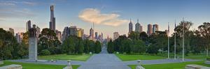 Melbourne by Wayne Bradbury