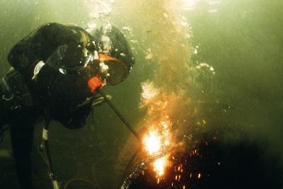 Welding Underwater-Peter Scoones-Photographic Print