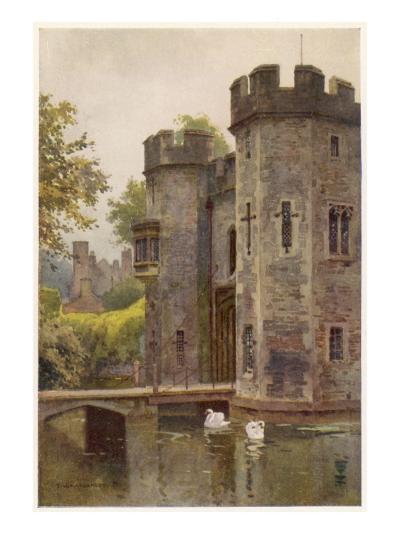 Wells, Somerset: the Bishop's Palace Gatehouse and Drawbridge--Giclee Print