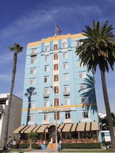 Art Deco, Georgian Hotel, Ocean Avenue, Santa Monica, Los Angeles by Wendy Connett