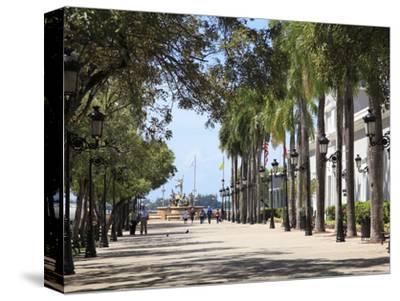 Paseo de La Princesa (Walkway of Princess), Old San Juan, San Juan, Puerto Rico, West Indies, USA