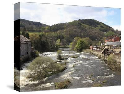 River Dee, Llangollen, Dee Valley, Denbighshire, North Wales, Wales, United Kingdom, Europe