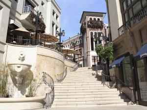 Rodeo Drive, Beverly Hills, Los Angeles, California, United States of America, North America by Wendy Connett