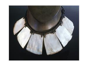'Palangapang' mother of pearl shell necklace, Philippines by Werner Forman