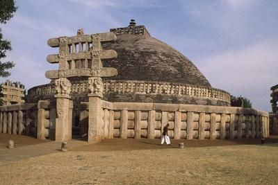 https://imgc.artprintimages.com/img/print/west-gate-of-the-stupa-i-in-sanchi_u-l-ppq5qg0.jpg?p=0