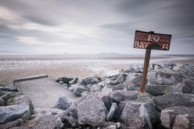 https://imgc.artprintimages.com/img/print/west-kirby-marine-lake-wirral-cheshire-england-united-kingdom-europe_u-l-q12s6jt0.jpg?artPerspective=n