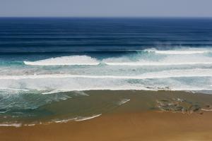 Portugal, Algarve, Sagres, View of Atlantic Ocean with Breaking Waves by Westend61