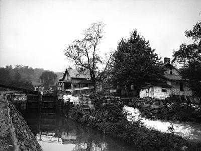 Weverton, Maryland-Edward Hungerford-Photographic Print