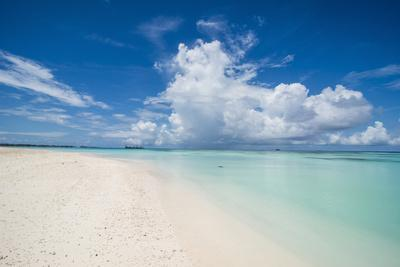 https://imgc.artprintimages.com/img/print/white-sand-and-turquoise-water-in-the-beautiful-lagoon-of-funafuti-tuvalu-south-pacific_u-l-q1brxb10.jpg?p=0