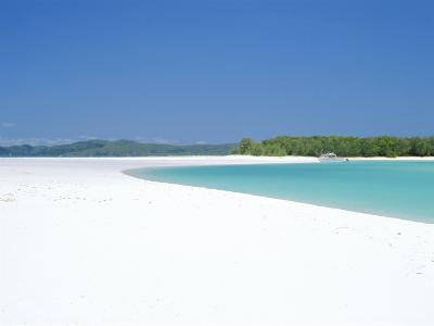 Whitehaven Beach on the East Coast, Whitsunday Island, Queensland, Australia-Robert Francis-Photographic Print