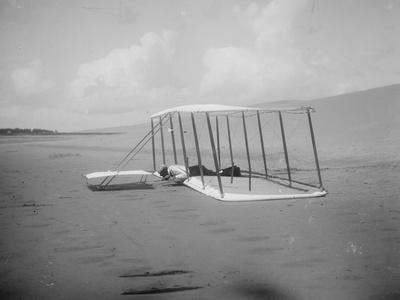 https://imgc.artprintimages.com/img/print/wilbur-wright-in-prone-position-on-glider-photograph-kitty-hawk-nc_u-l-q1go4lx0.jpg?p=0