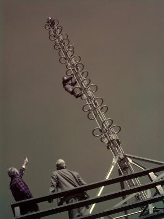 Engineers Work on New Antenna for Fm Radio Broadcasting by Willard Culver