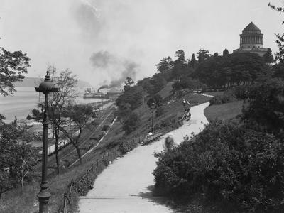 View Looking Up the Hill Towards Grant's Tomb, New York City, July 20, 1914