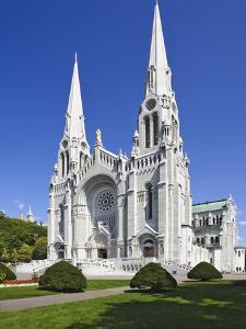 Basilica of Sainte-Anne-de-Beaupre by William Manning