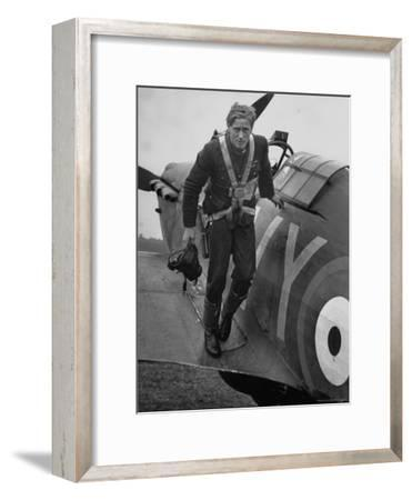 Raf Ace Pilot, South African Albert G. Lewis, After an Engagement with Enemy Planes
