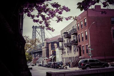 https://imgc.artprintimages.com/img/print/williamsburg-bridge-and-neighbourhood-brooklyn-new-york-usa_u-l-q1ewbyg0.jpg?p=0