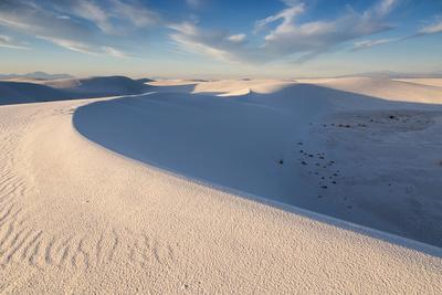 https://imgc.artprintimages.com/img/print/wind-eroded-waves-forming-on-sand-dunes-white-sands-national-monument-new-mexico_u-l-q19nt140.jpg?p=0