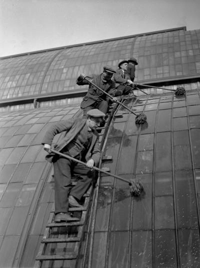 Window Cleaning--Photographic Print
