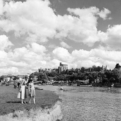 Windsor Castle, Berkshire, 1952-Staff-Photographic Print