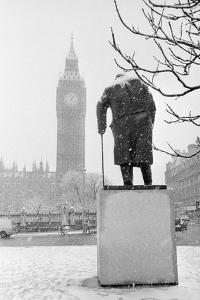 Winston Churchill by Ivor Roberts-Jones