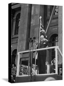 Winston Churchill Speaking at the Blenheim Palace Fete
