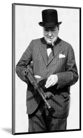 KEYRINGS-MUGS-PHOTOGRAPHS POLITICAL WINSTON CHURCHILL 05 TOMMY GUN