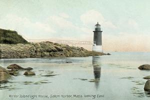 Winter Island Lighthouse, Salem Harbor