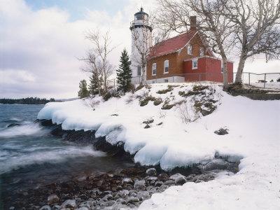 https://imgc.artprintimages.com/img/print/winter-morning-light-on-eagle-harbour-lighthouse-on-lake-superior-michigan-usa_u-l-q10qysd0.jpg?p=0