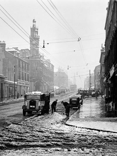 Winter Scene in Great Western Road, 1955--Photographic Print